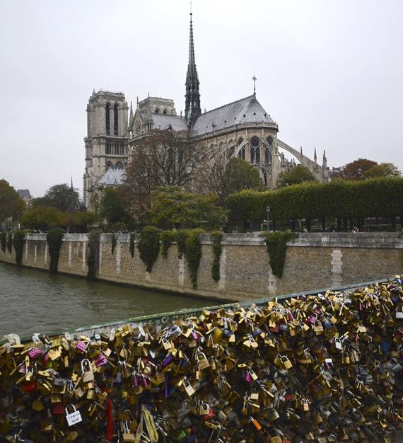 Notre Dame Lock bridge